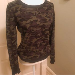 Camouflage sweater, size medium